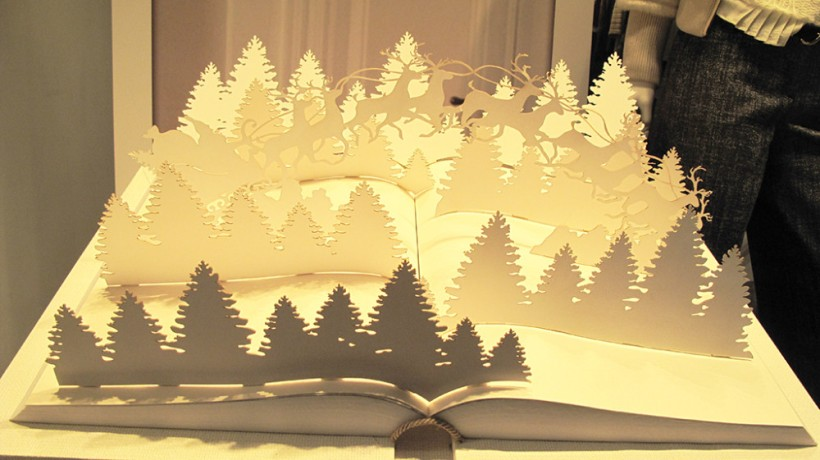 best-window-displays_trussardi_2013_christmas_01-1000x561